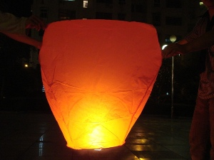 DM1110-Sky-Lanterns-fireworks